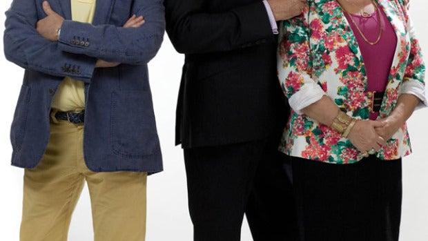 El actor posa junto a Loles León y Mariano Peña
