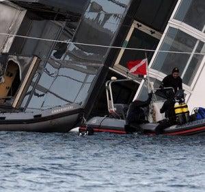 Labores de rescate en el Costa Concordia