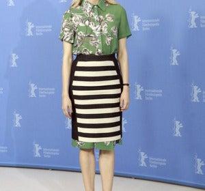 La actriz con un look muy original y muy Prada.