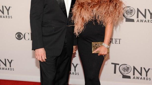 El guapérrimo Hugh Jackman junto a su inseparable esposa