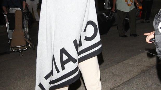 Katy Perry llega al aeropuerto con estas pintas