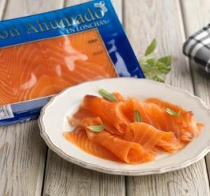 Plato de salmón ahumado