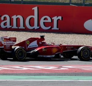 El Ferrari de Alonso, 'aparcado' en Nürburgring