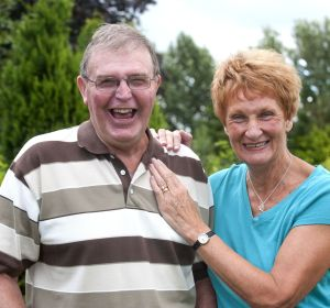 Malcolm Myatt junto a su mujer