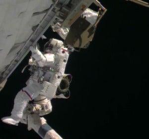 Rick Mastracchio en su caminata espacial