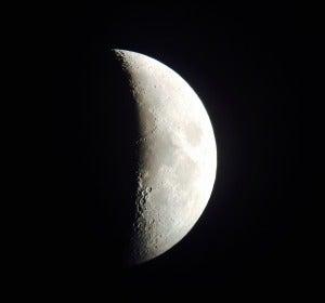 Imagen de la luna tomada con un iPhone 5s en Enguídanos (Cuenca)