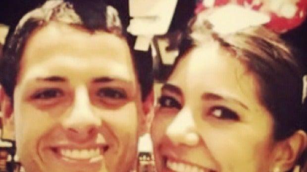 Chicharito y su novia Leticia Sahagún