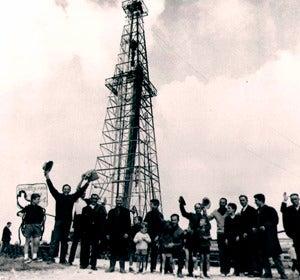 Foto de la inauguración del pozo I de Ayoluengo
