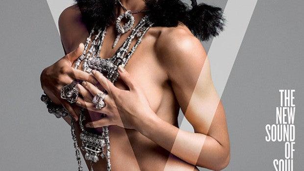 La novia de Pattinson se marca un topless para V Magazine