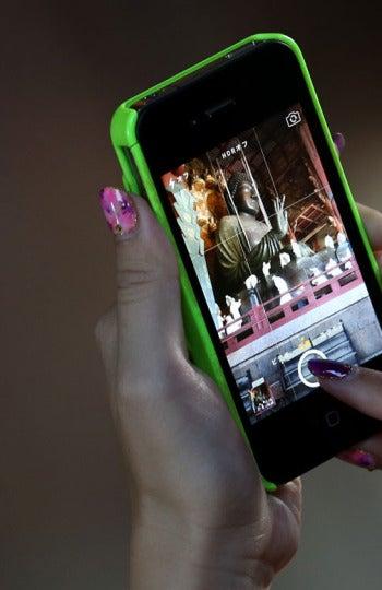 Es Invisible Boyfriend, una app que te permite crear una relación a la carta