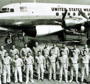 Los aviadores del Proyecto Stormfury
