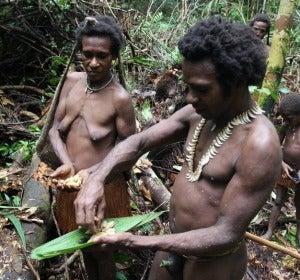 La última tribu caníbal