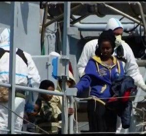 Mueren 400 inmigrantes por el naufragio de una embarcación en el Mediterráneo