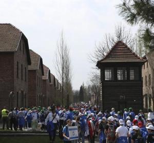 Judíos recuerdan el Holocausto en Auschwitz