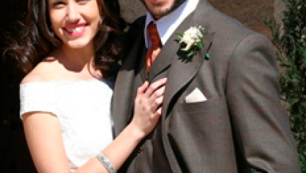 Suenan campanas de boda, en EL SECRETO DE PUENTE VIEJO