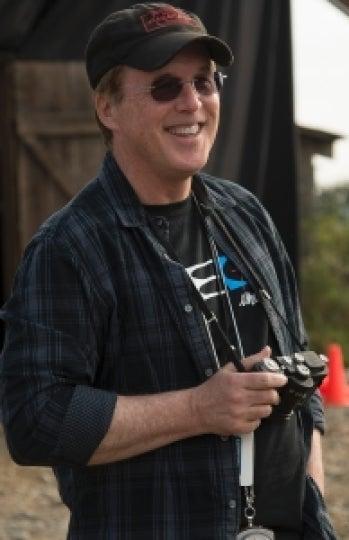El director Brad Bird durante el rodaje