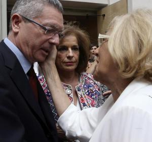 Carmena saluda a Botella y Gallardón