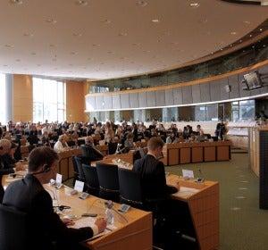La Comisión Europea, en Bruselas, anuncia que no prohibirá la experimentación animal