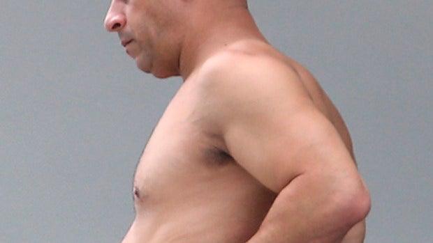 El actor ha cambiado los músculos por los michelines