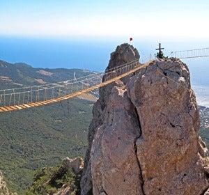 Puente colgante en Ai-Petri