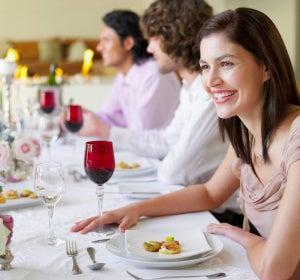 Trucos para no engordar en una cena especial