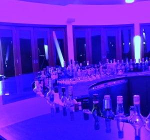 Así es la primera discoteca bajo el agua del mundo