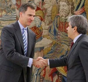 El Rey recibe a Francesc Homs