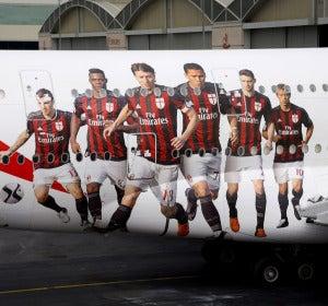 Decoración del nuevo A380 de Emirates con los jugadores del AC Milan