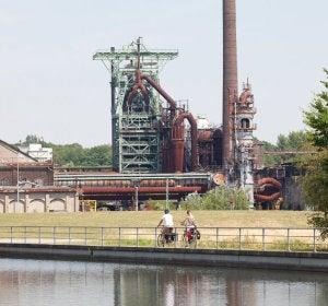 Ciclistas a su paso por Hattingen