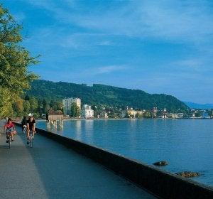Cicloturismo junto al lago Constanza