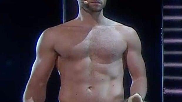 Mans Zelmerlow se desnuda en Eurovisión
