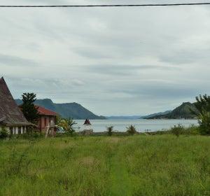 Casas de la isla Samosir, en Indonesia