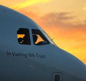 Avión 'In Vueling We Trust' de la aerolínea española