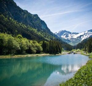 El río Rin, a su paso por Liechtenstein