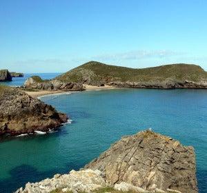 Isla de Poo, en la costa de Asturias