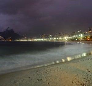 Playa de Ipanema, de noche