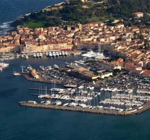 Puerto de St. Tropez, en la Costa Azul