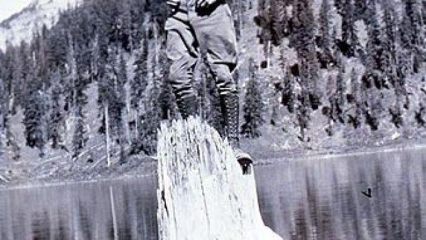 """El """"anciano del lago"""" es capaz de soportar el peso de una persona."""