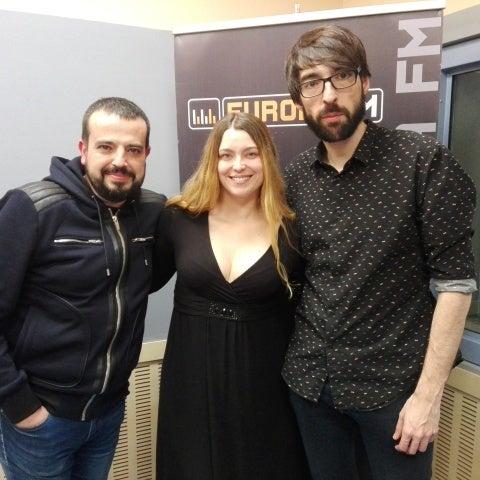 Raquel Sastre con Quique Peinado y Kiko Béjar en Europlay