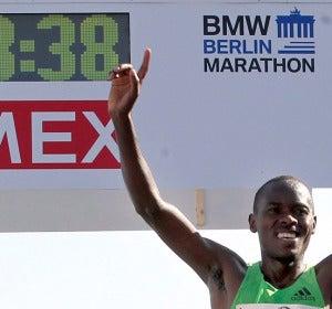 El keniata Patrick Makau, nuevo plusmarquista de maratón