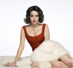 Lindsay Lohan como Liz Taylor