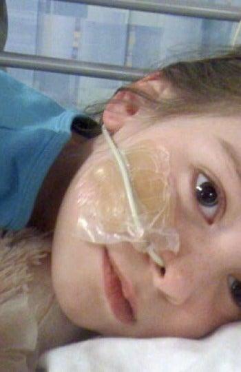 Charlotte recuperándose en el hospital