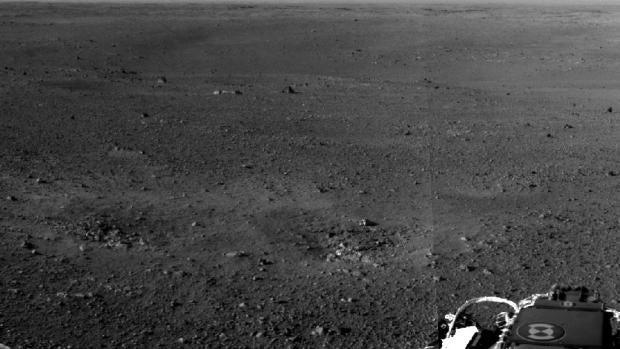El Curiosity posado sobre la superficie marciana