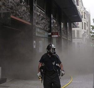 El ayuntamiento de León arde sin control