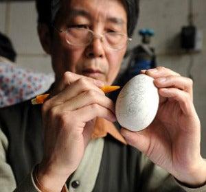 Wen Fuliang, en su taller