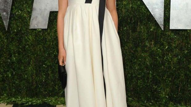 Natalie Portman, con vestido palabra de honor en blanco roto