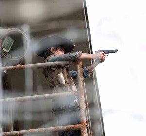 Carl con la pistola