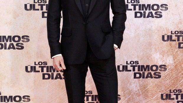 Un elegantón Quim Gutierrez con camisa de cuello 'mao'