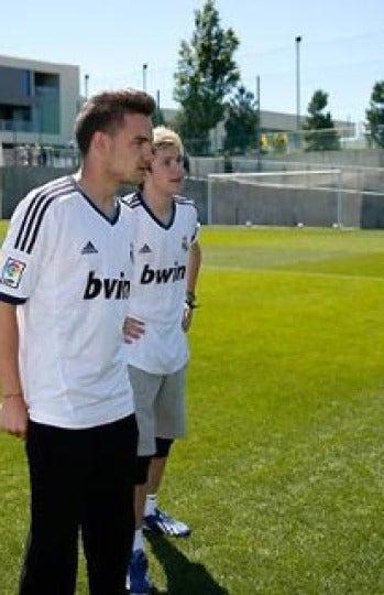 Con uno de sus ídolos, Cristiano Ronaldo