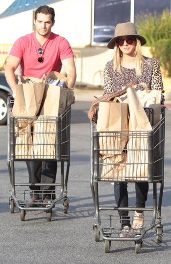 Henry y Kaley ya van al supermercado juntos...